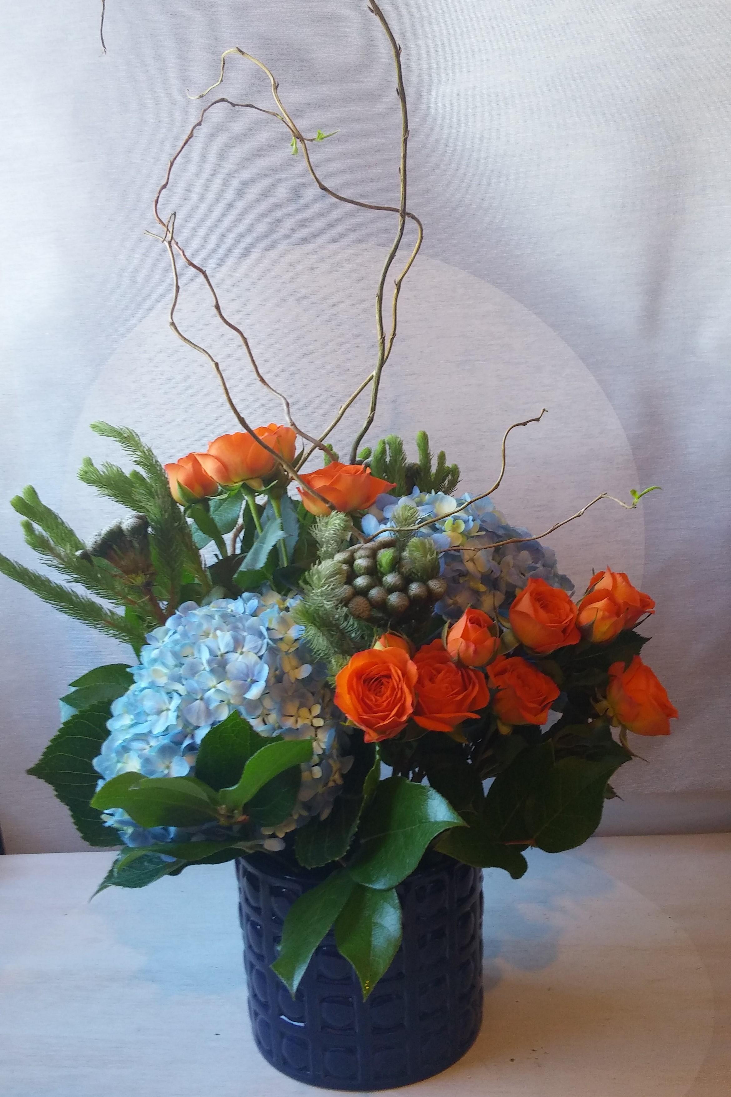 Flower Delivery Blue Hydrangea Floral Delivery Blue And Orange Bright Colored Flowers Birthday Flower Arrangement Orange Roses Luna Vinca