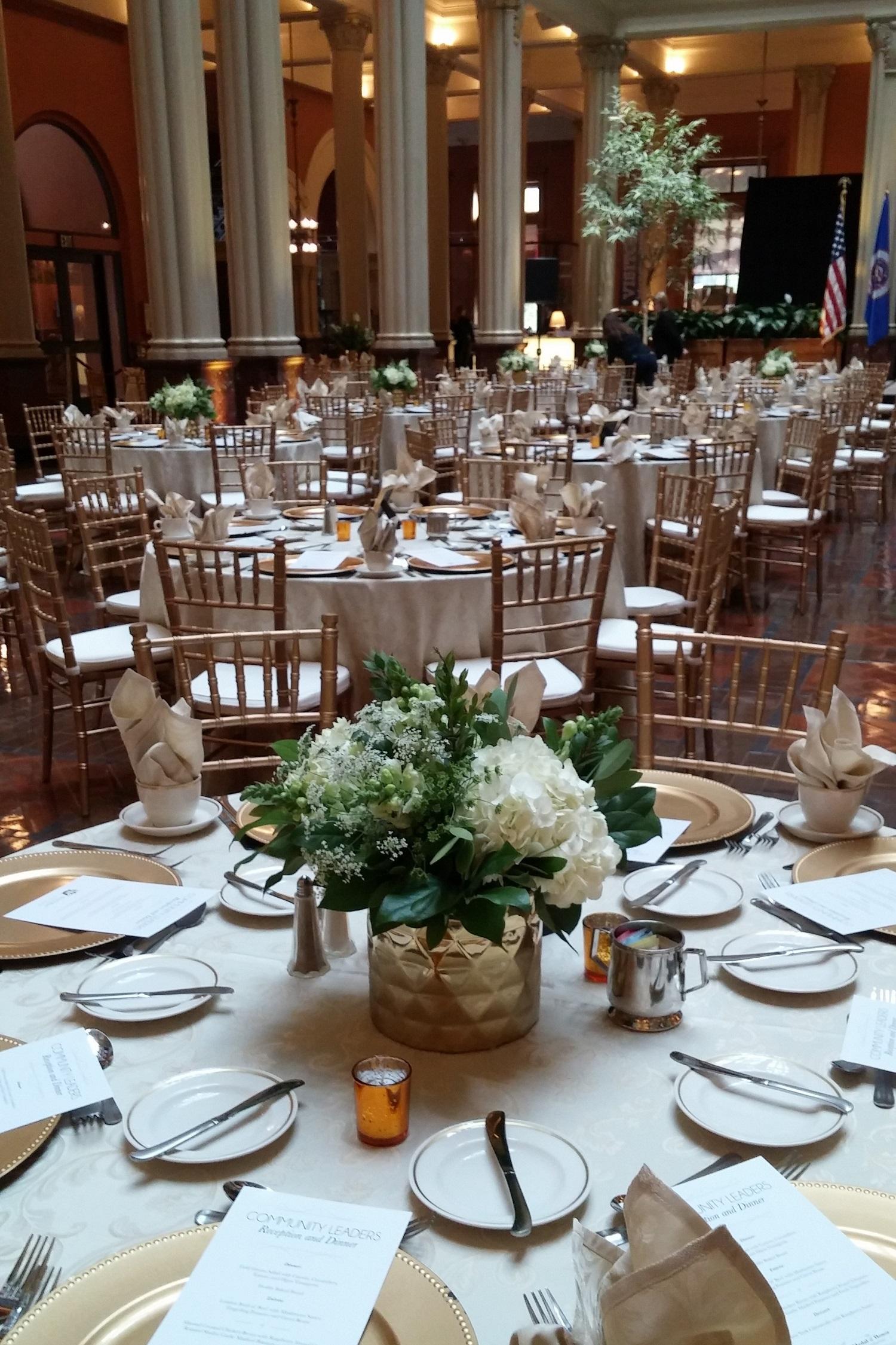 Simple Wedding Decorations.Centerpiece Florist Leafy Centerpiece Flower Arrangement