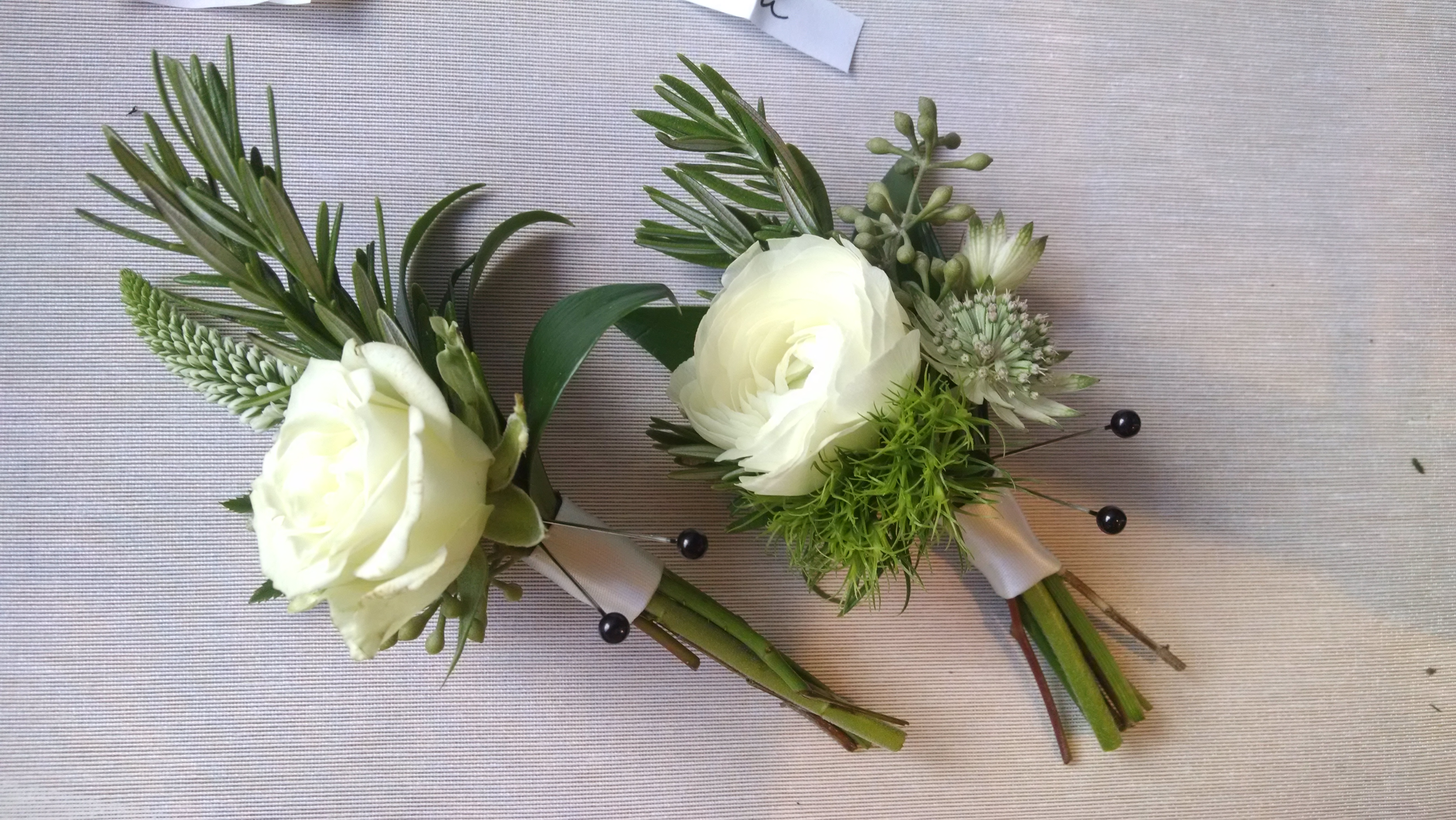 Boutonniere minneapolis semple mansion wedding boutonniere white boutonniere minneapolis semple mansion wedding boutonniere white green eucalyptus rosemary foliage dianthus greenery florist grooms boutonniere junglespirit Images