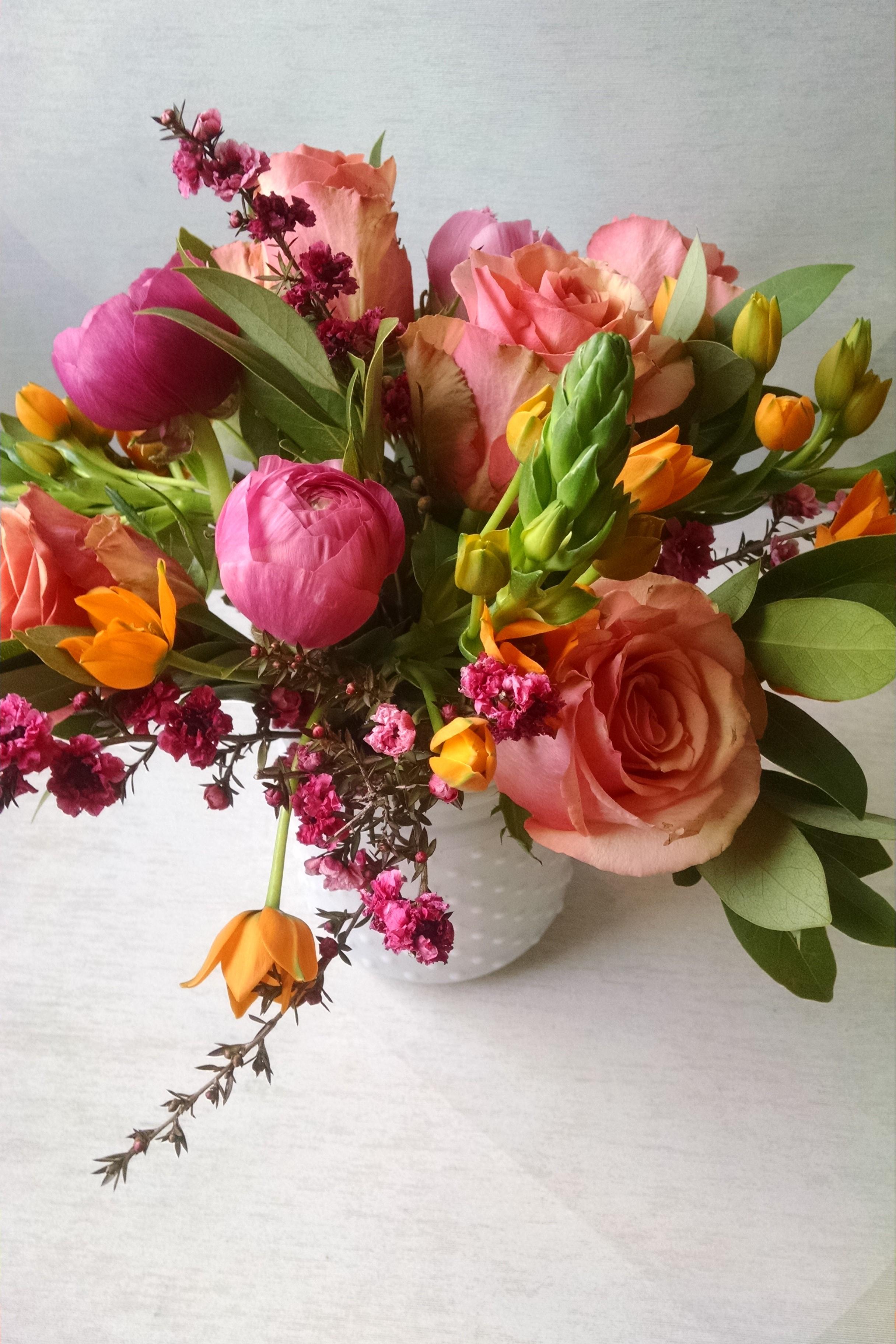 Unique Flower Arrangements Peach Colored Flowers Ranunculus Flower