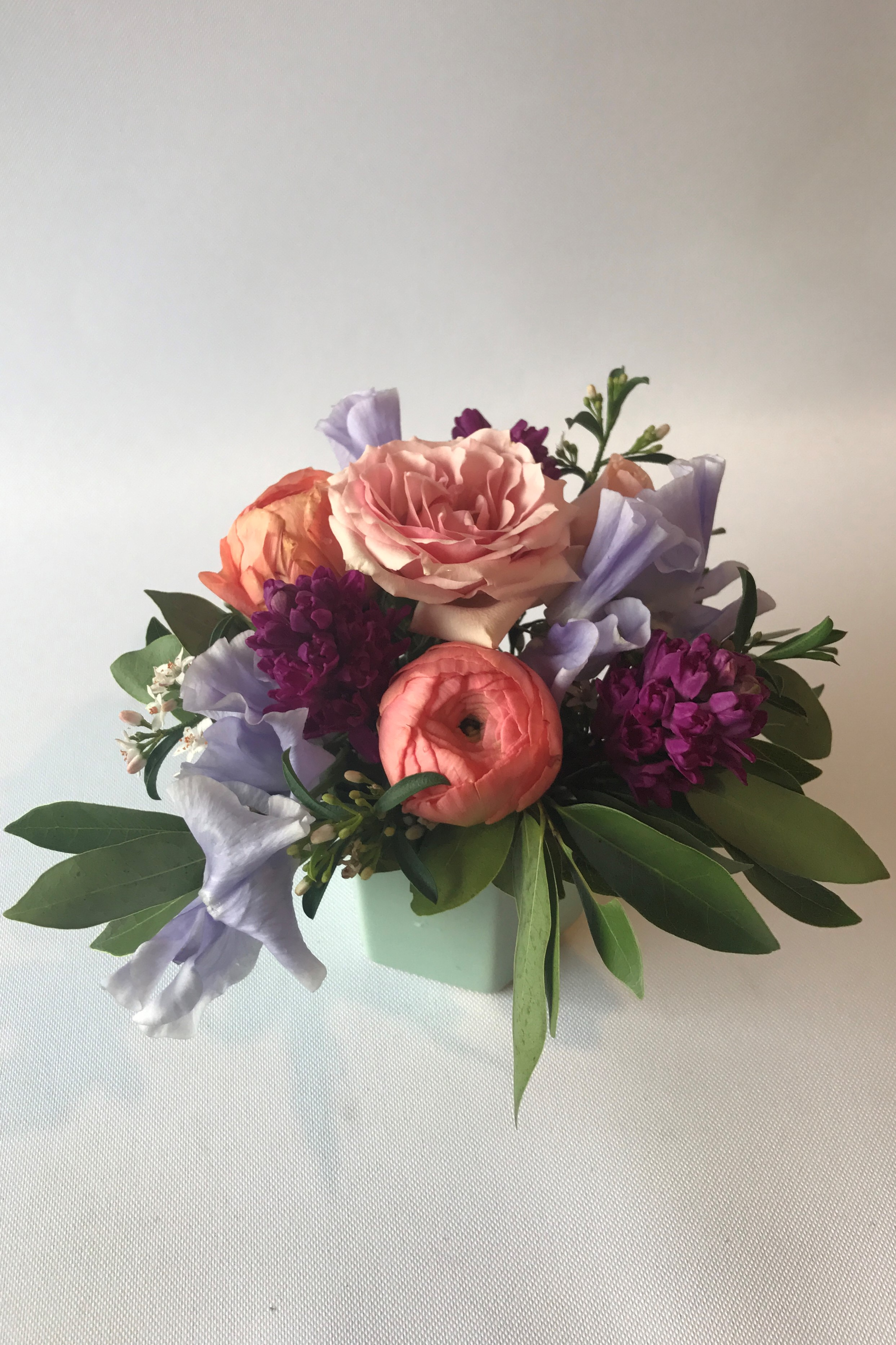 Minneapolis Flowers Florist Flower Delivery Greens Bouquet
