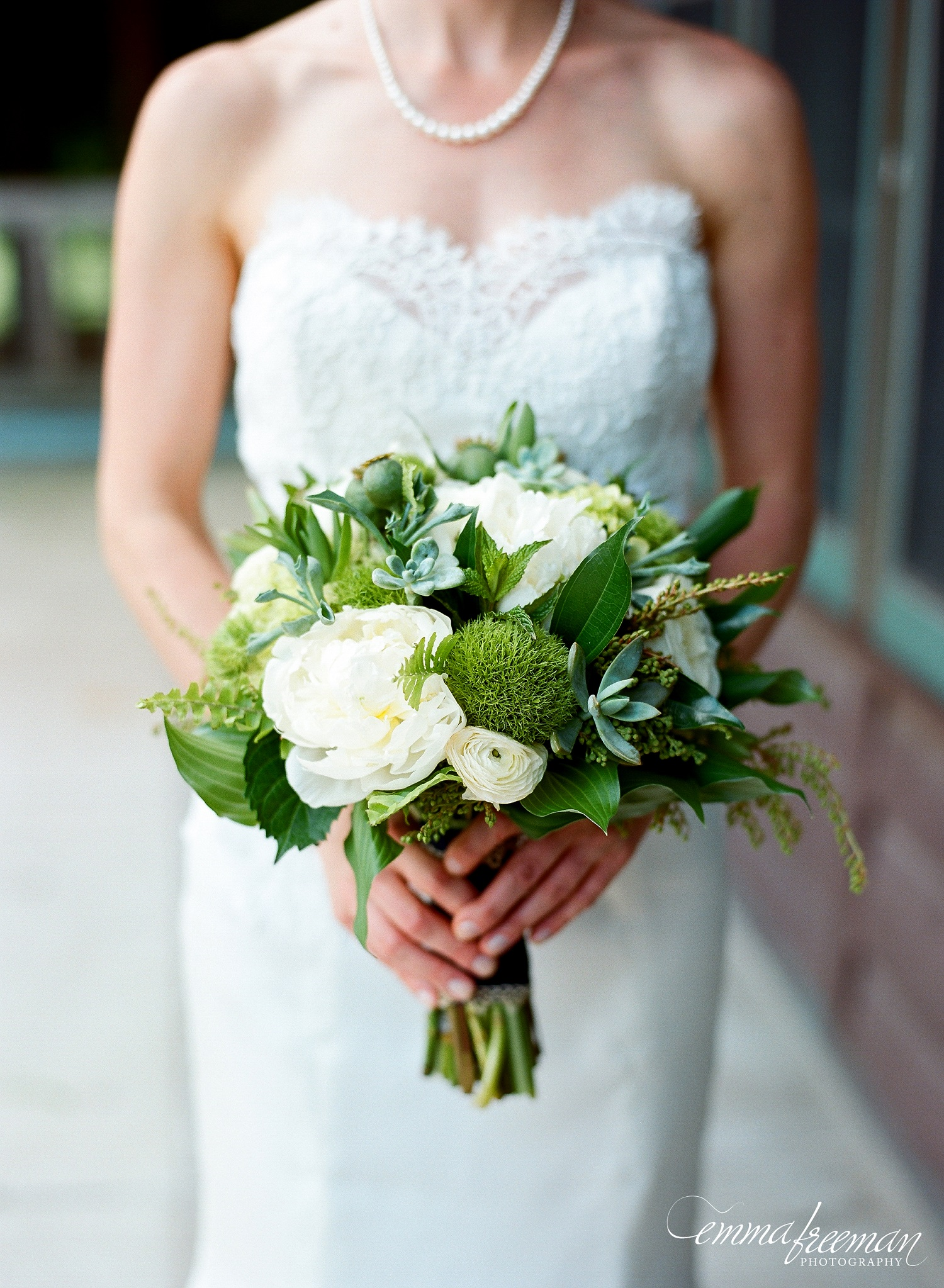Modern Wedding Ideas, White and Green Flowers, Modern ...